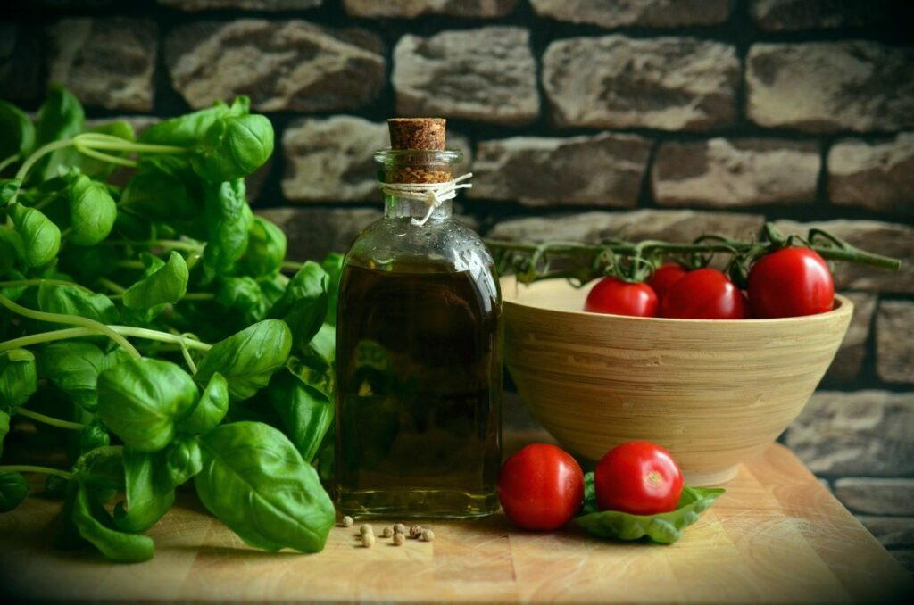 Olive Oil in 'Mediterranean diet,' not so much red wine, is linked to longer lifespan, new study says